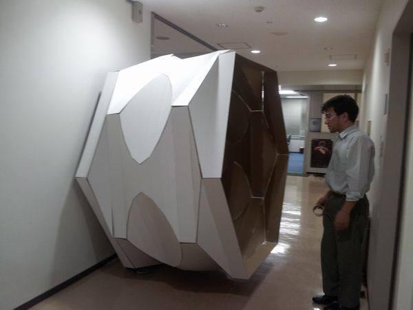 筑波大学大学院 システム情報工学研究科 准教授 三谷 純氏がコンピューターで設計する立体「おりがみアート」を会場に展示