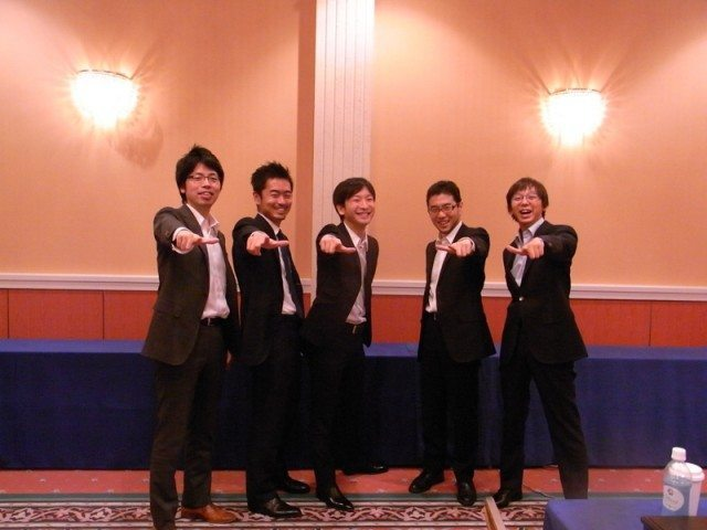 mixi (ミクシィ)新体制スタート、朝倉社長らがブログで挨拶 【@maskin】