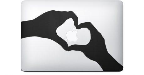 キティもコラボ、MacBook Air好きにはたまらないCM 【@maskin】