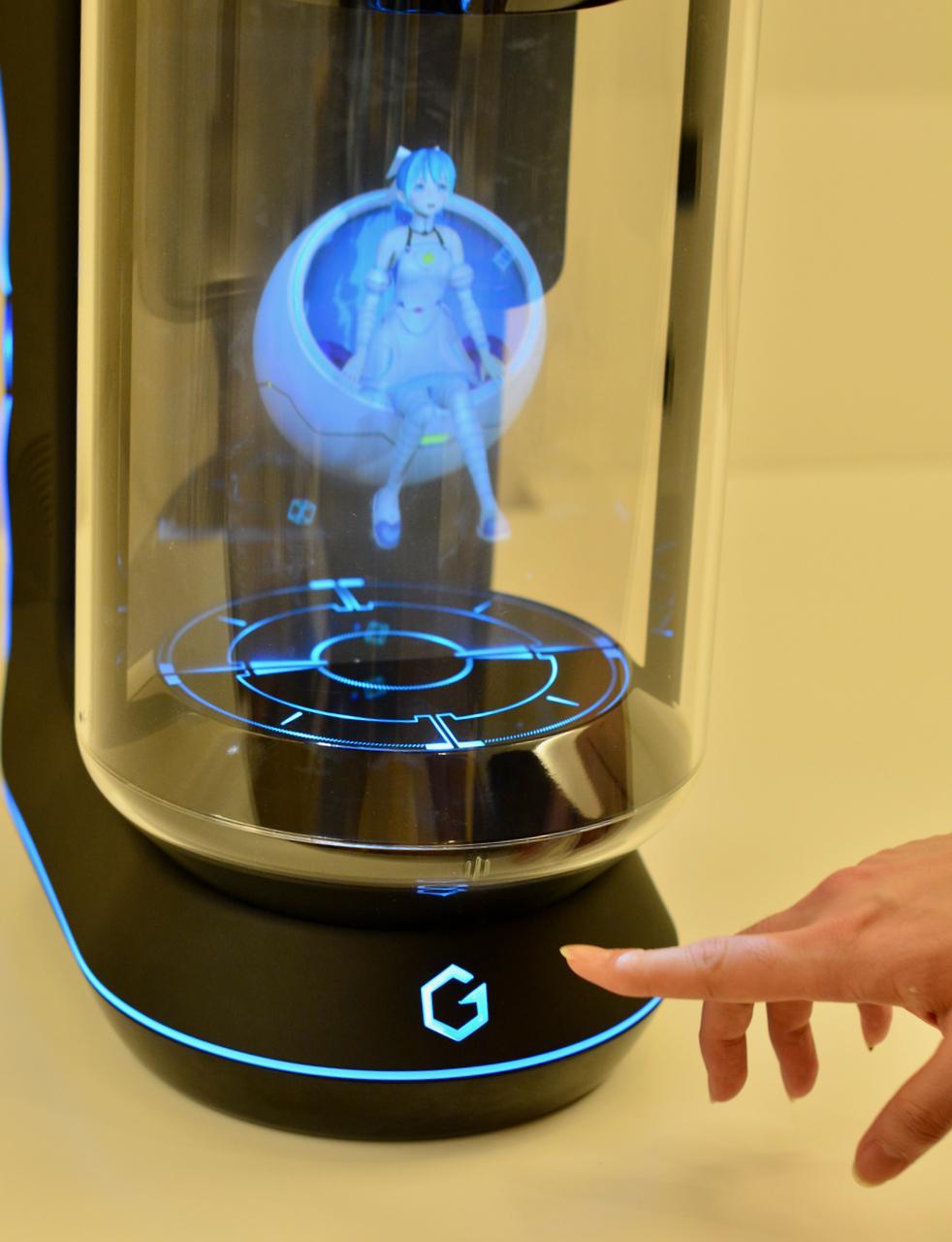 「Gatebox」誕生秘話、妄想が産んだバーチャル嫁ロボット30万円が5日間で200台も売れる理由