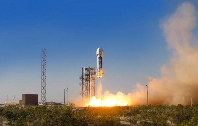 宇宙旅行はもうすぐ?Amazon.com創業者が自社株10億ドルを売却して宇宙観光ロケットの開発資金に