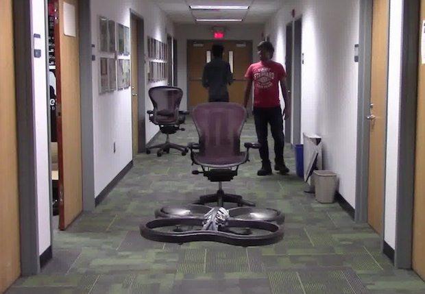 ドローンの自律飛行アルゴリズム、クラッシュ1万1500回ディープラーニングにより獲得