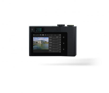 ツァイス「Zeiss ZX1」登場、Lightroom CCがインストールされたメモリカードスロットの無いフルサイズデジカメ