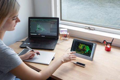 ヘッドギア不要の3Dディスプレイ「Looking Glass」が日本でクラウドファンディング展開、開始直後に目標は達成